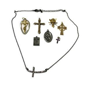 Religious jewelry lot, pendents